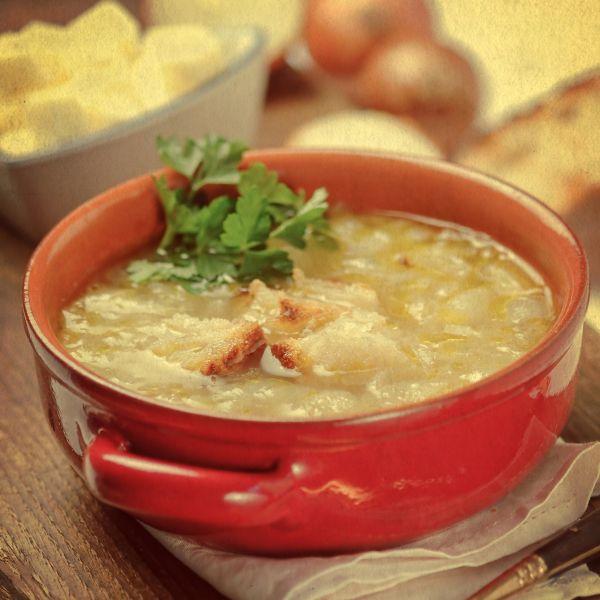 Cibuľová polievka so žemľou a syrom  Sopa de Cebollas ...