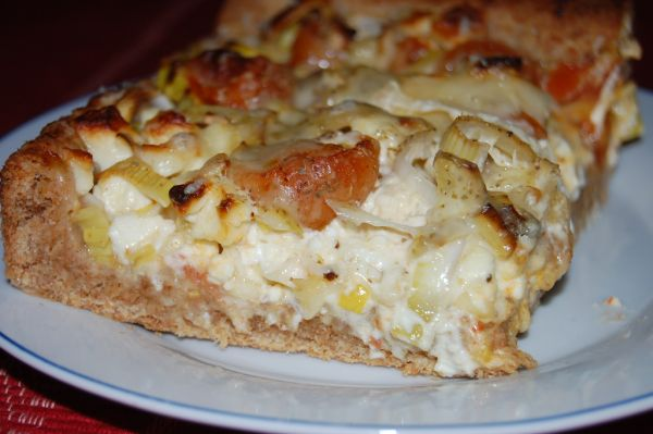 Zeleninový koláč s feta syrom  
