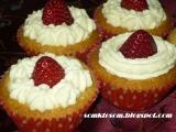 Jahodové košíčky  cupcakes