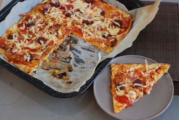 Výborná pizza z cuketového cesta |