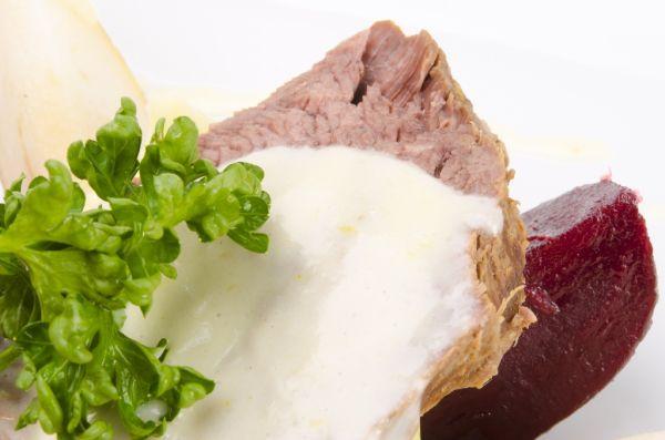 Hovädzie mäso s chrenovou omáčkou |