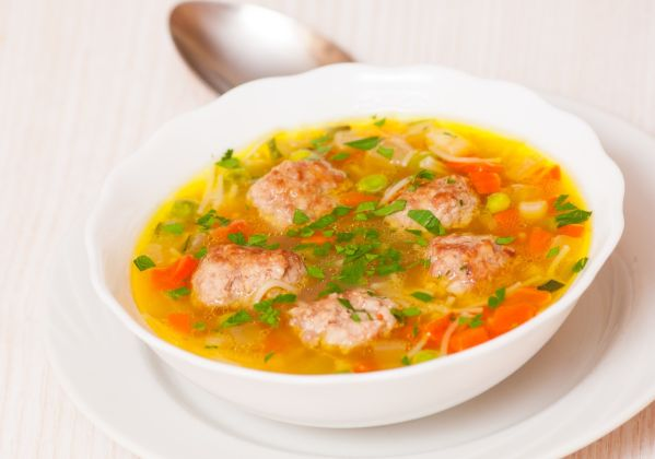Hustá polievka s mäsovými knedlíčkami |