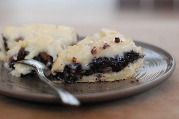 Makovo-orechový koláč so slivkami |