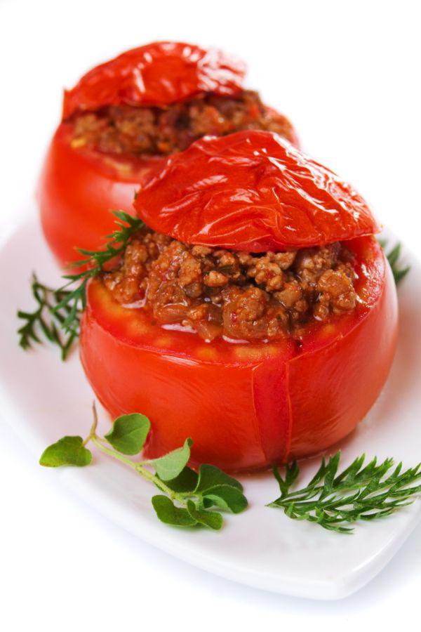 Pečené rajčiaky s mäsovou plnkou |