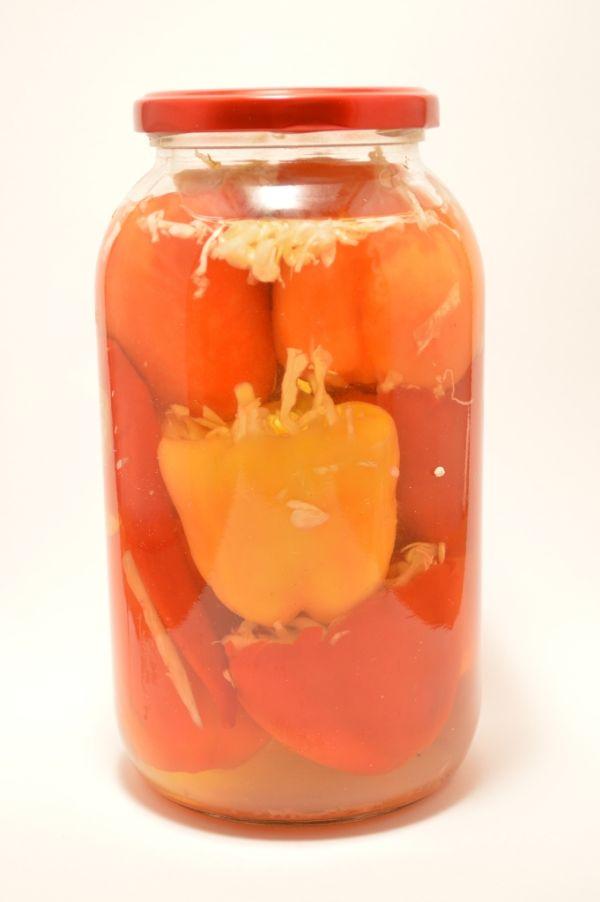 Paprika plnená kapustou v náleve |
