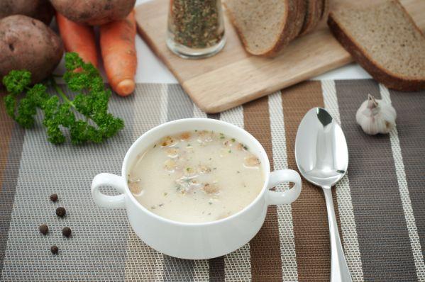 Smotanová cesnaková polievka |