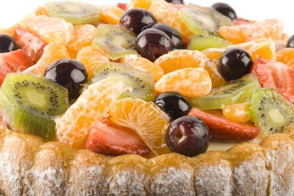 Jogurtovo-smotanová torta s ovocím |