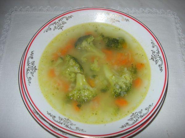 Rýchla brokolicová polievka |