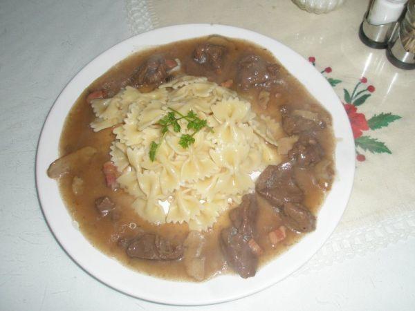 Jelenie mäso na hríboch |
