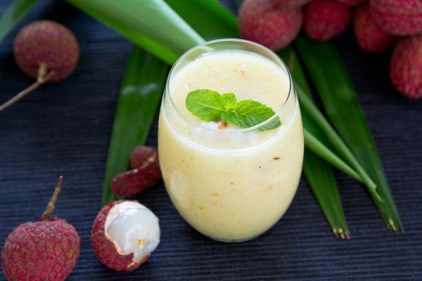 Kokosové smoothie s mandľovým maslom |