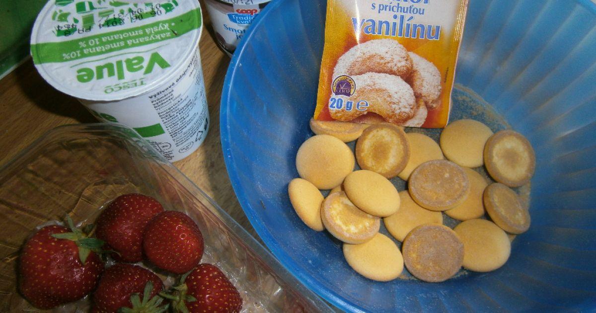Jogurtovo-smotanový pohár s jahodami, fotogaléria 2 / 4.