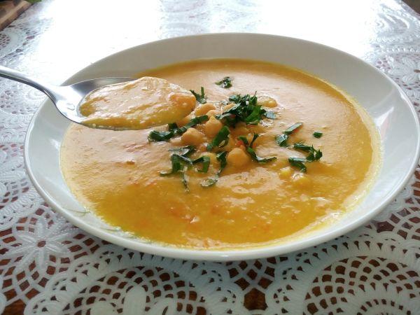 Cícerová polievka |