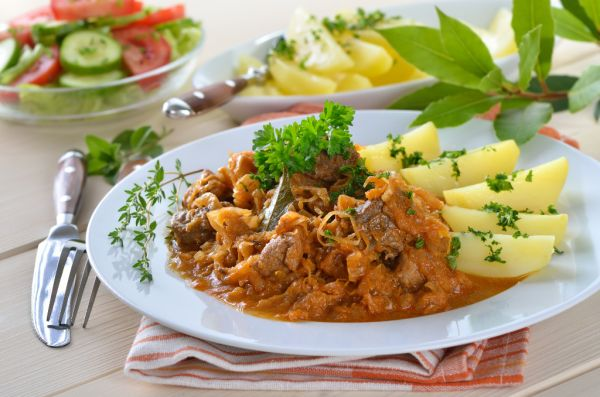 Pikantný guláš so zeleninou |