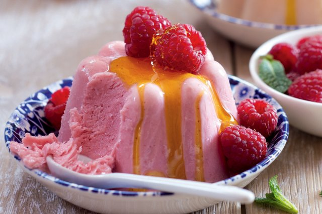 Jogurtovo-medové semifreddo s ovocem