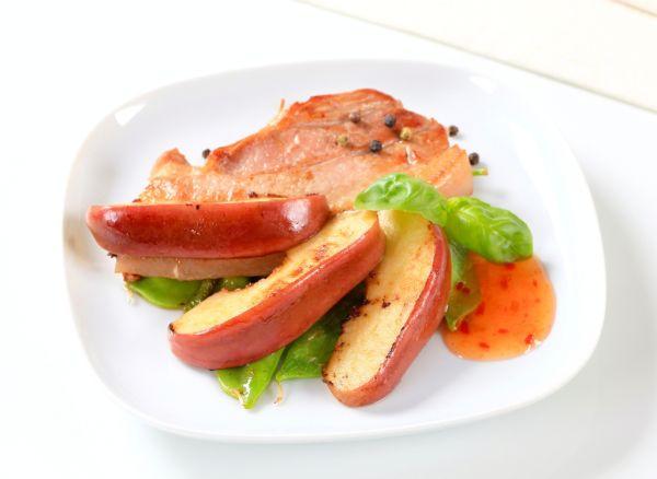 Bravčové mäso s jablkami  
