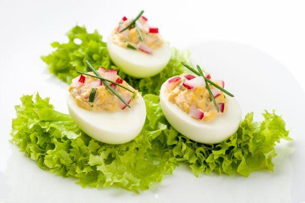 Plnené vajcia jednoduchou nátierkou |