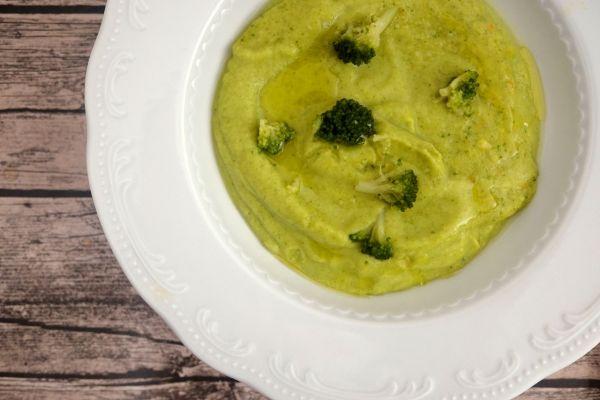 Studená brokolicová polievka, alebo lahodný krém? |