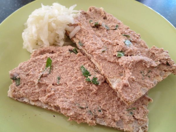 Rybacia pomazánka s tofu syrom a bazalkou ...