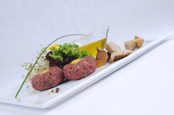 Tatársky biftek s hubami  