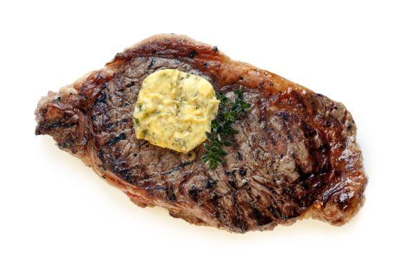 Steaky s bylinkovým maslom |