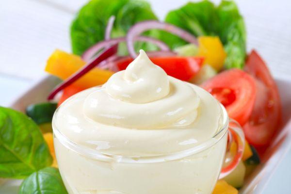 Jogurtový nálev na šalát |