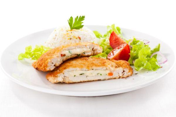 Vypražané morčacie rezne so syrom a šunkou |