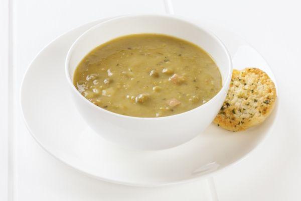 Sedliacka hrachová polievka  
