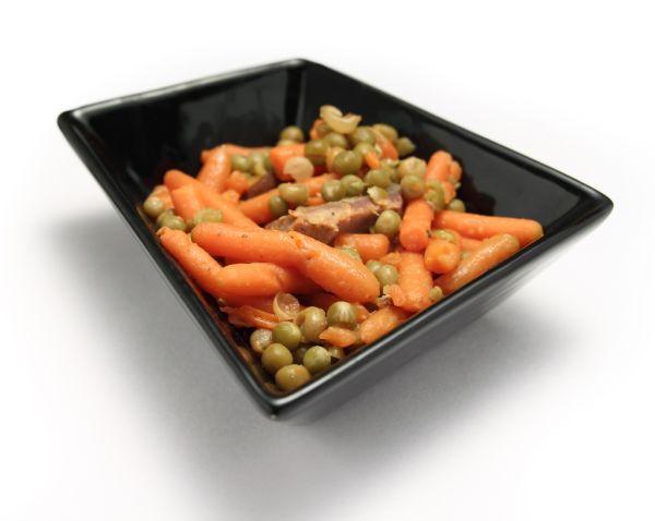 Dusená mrkva s hráškom |