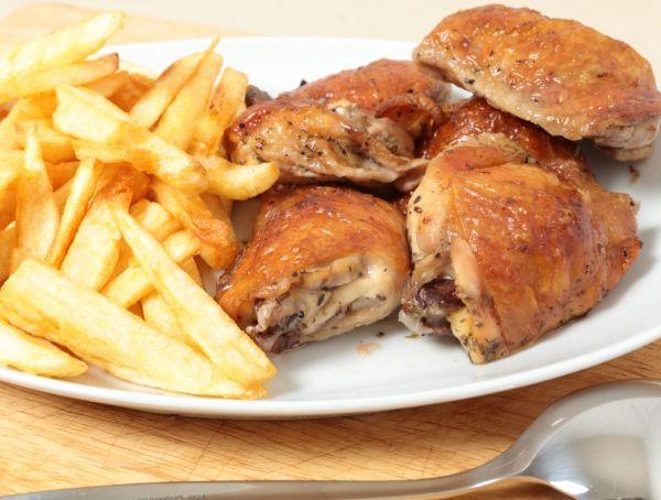 Pečené kurča na slanine |