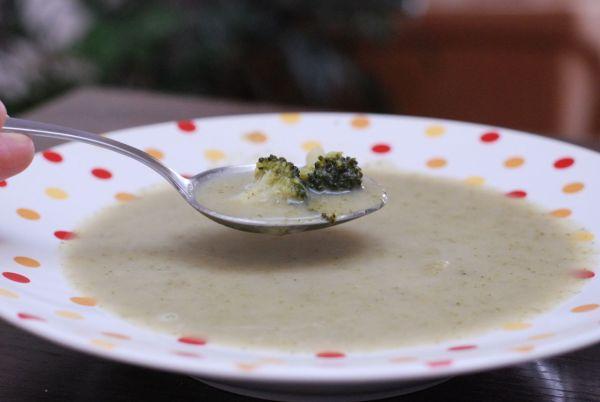 Brokolicovo-zázvorová krémová polievka |