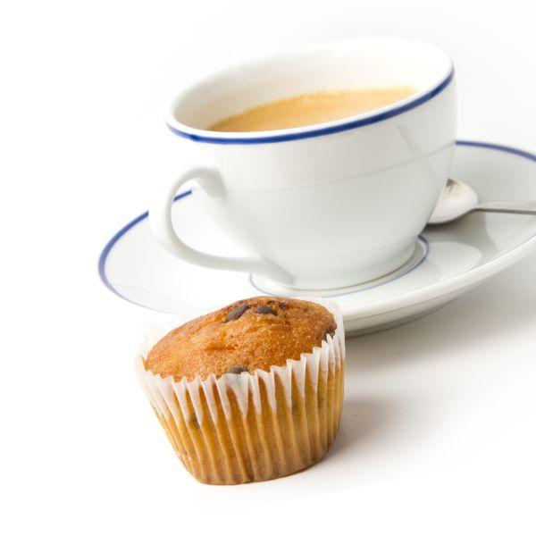 Muffiny s kúskami čokolády ku káve |