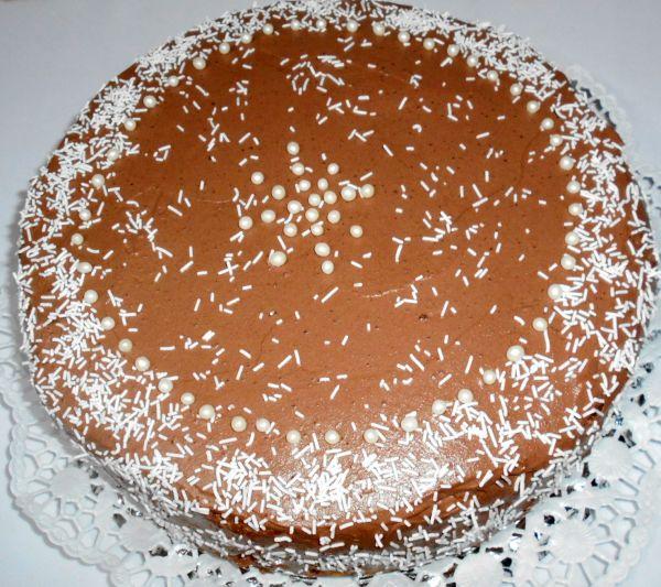 Nepečená torta s parížskou šľahačkou |