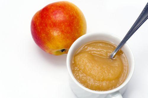 Hruškovo jablkové pyré s vločkami |