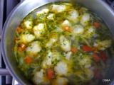 Zeleninova polievka s krupicovymi knedlickami