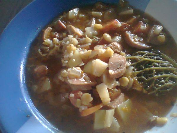 Párková polievka s krúpami a so sušeným hrachom |