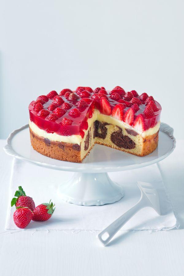 Jahodový mramorovaný koláč |