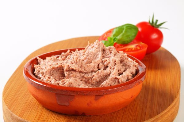 Nátierka z mäsa so sardelovou pastou |