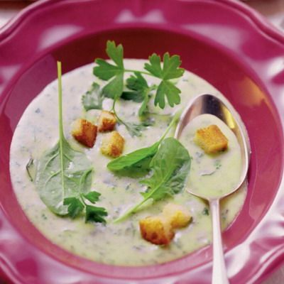 Zeleninová polievka s krutónmi |