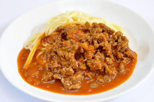 Hovädzie mäso so špagetami |