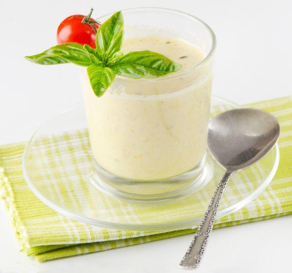 Bazalkovo  parmezánová polievka  