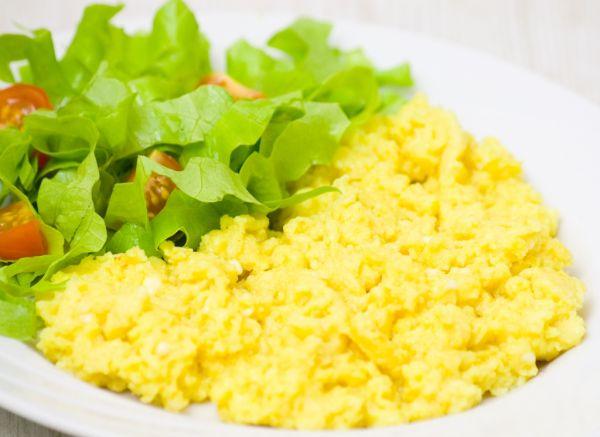 Miešané vajcia so syrom |