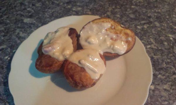 Pečené zemiačky s nivovou omáčkou |