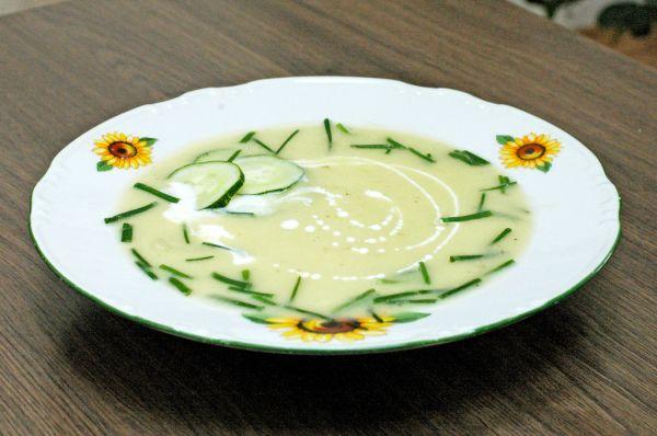 Cuketovo-uhorková studená polievka |