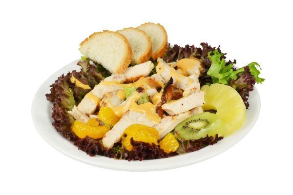Kurací šalát s kiwi, pomarančom a ananásom |