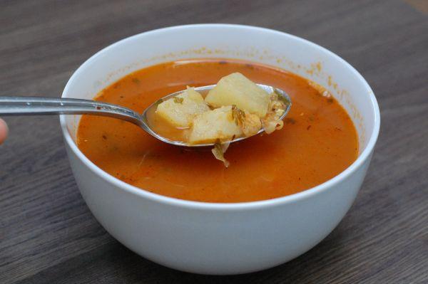Kalerábová polievka s cícerom |