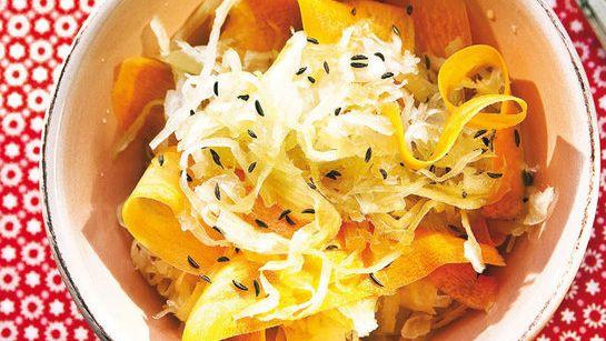 Kapustovo-mrkvový šalát s medom |