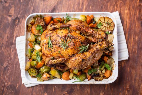 Plnené kura pečené na zelenine |