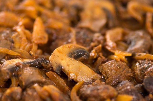 Hovädzie mäso na hubách |