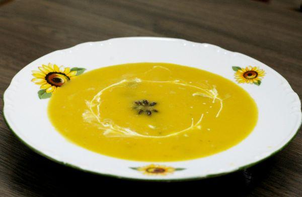 Hokaido polievka so šalviou a badiánom |