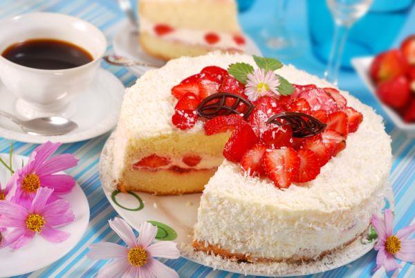 Šľahačková torta s jahodami |